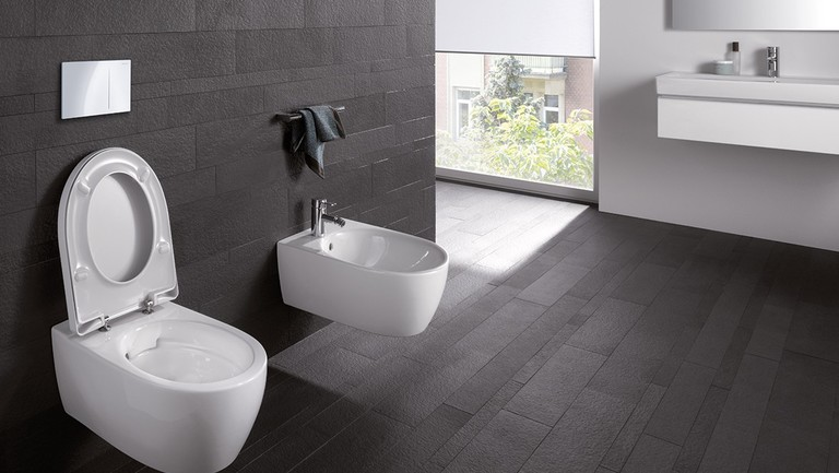 Geberit iCon WC rimfree, bidet and actuatorplate Sigma70